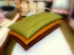 画像2: 昔ながらの綿入れ長座布団紬調無地カラー